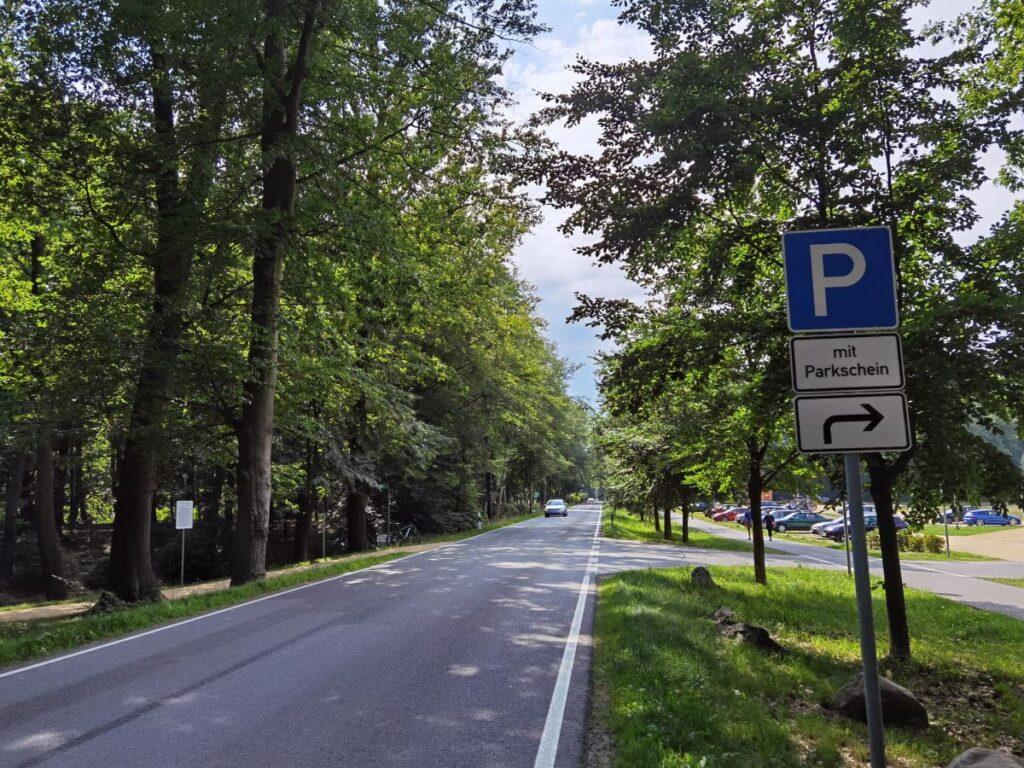 Rakotzbrücke Anfahrt - so kommst du zum Parkplatz direkt am Kromlauer Park